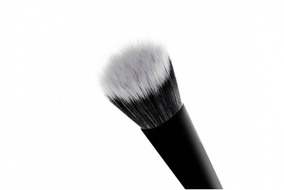 Кисть для тональных основ - Makeup Revolution Pro F103 Stippling Brush