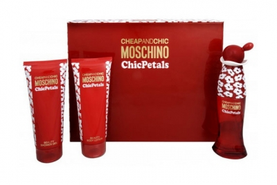 Moschino Cheap And Chic Chic Petals - Набор (edt 50ml + b/l 100ml + s/g 100ml)
